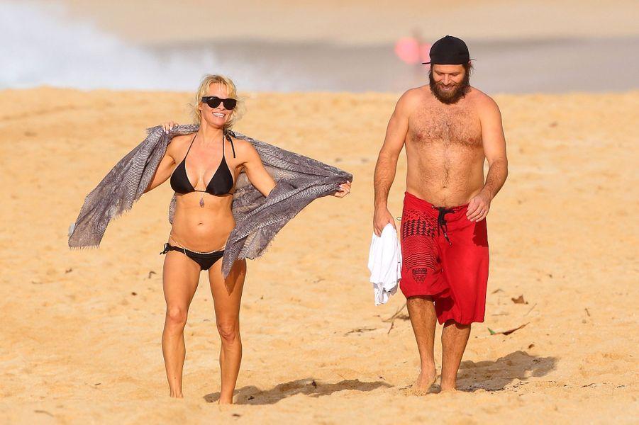 Pamela Anderson avec Rick Salomon en vacances à Hawaï, le 26 décembre 2014