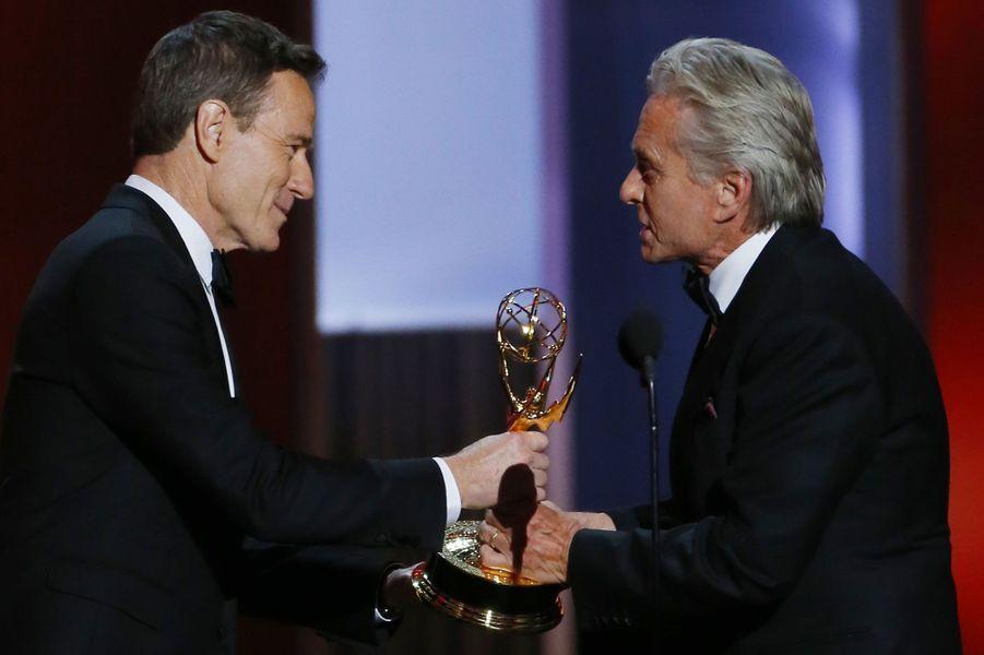 Michael Douglas a été récompensé du prix du meilleur acteur dans un téléfilm pour«Ma vie avec Liberace»,le biopic du pianiste américain réalisé par Steven Soderbergh, diffusé aux Etats-Unis par HBO.