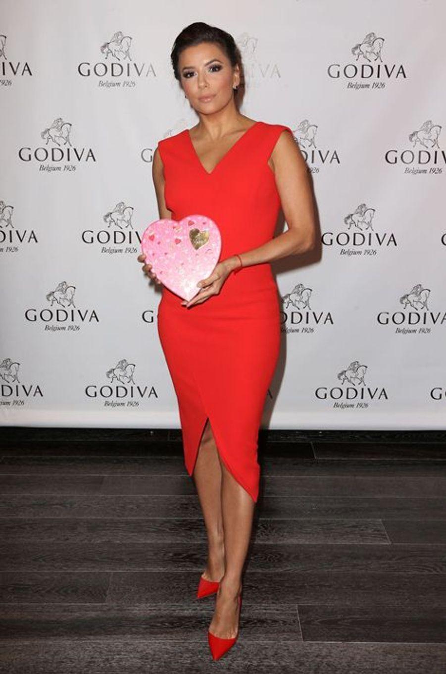 Eva Longoria célèbre l'amour et le chocolat