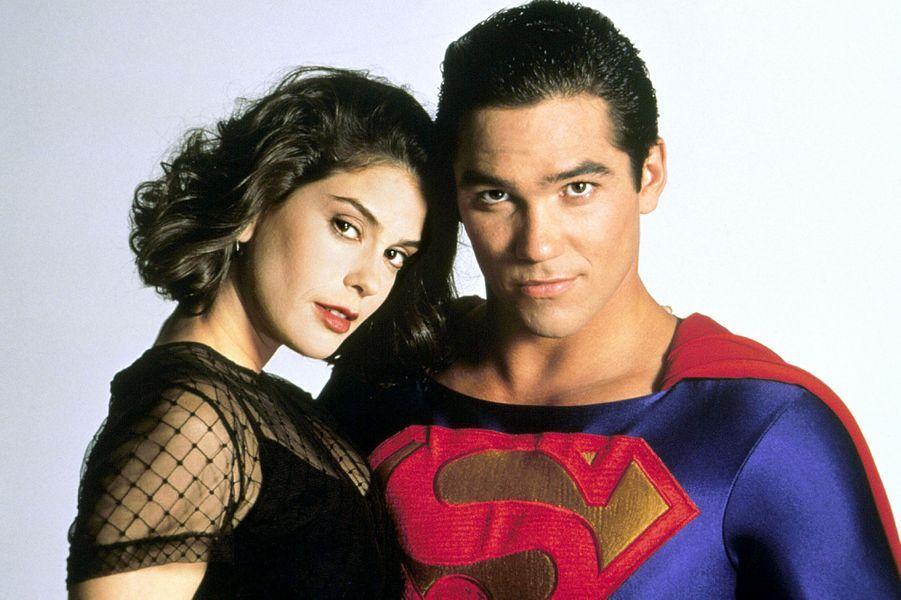 """Aux côtés de Dean Cain pour """"Loïs & Clark: les nouvelles aventures de Superman"""", en 1994"""