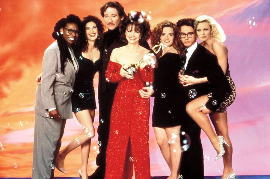 "Dans ""Soapdish"", aux côtés de Whoopi Goldberg, Kevin Kline, Sally Field, Elisabeth Shue, Robert Downey Jr. et Cathy Moriarty, en 1991"