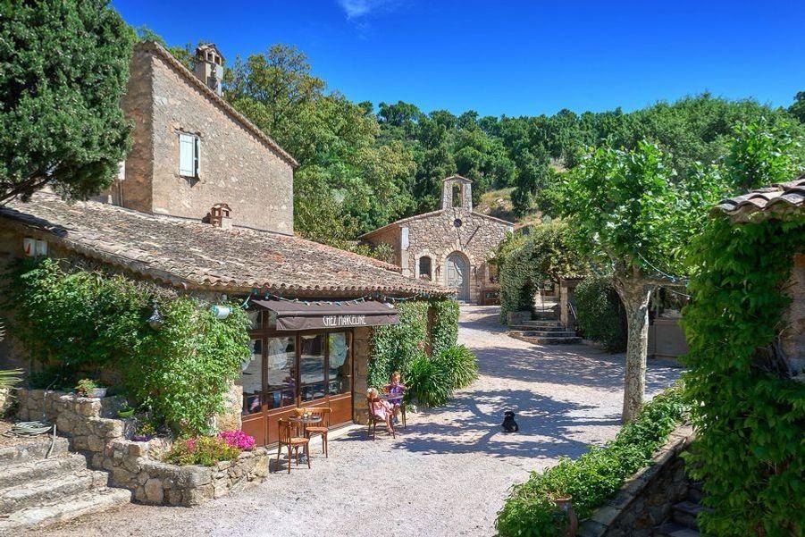 Propriété de Johnny Depp dans le sud de la France, à vendre pour 35 millions d'euros.