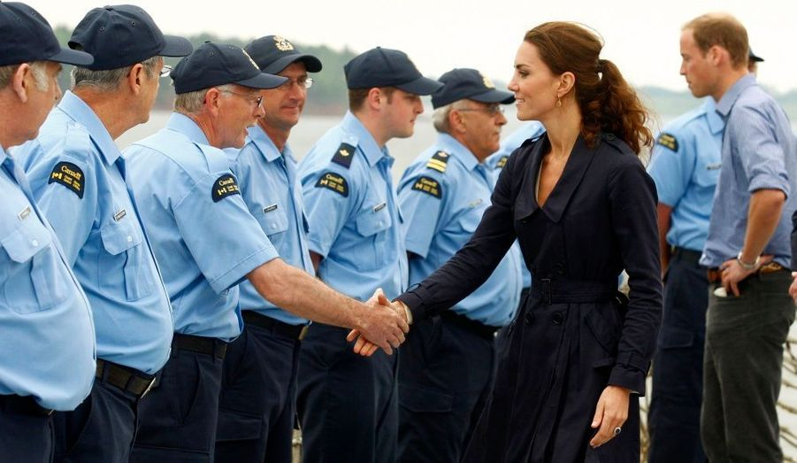 Ils ont ensuite rallié le port de Summerside, pour assister à un exercice de sauvetage en mer depuis un navire de la Garde côtière.