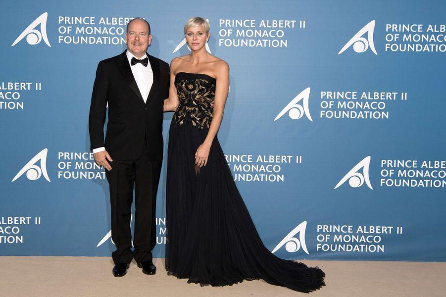 Le prince Albert II de Monaco et la princesse Charlène lors du Monte-Carlo Gala pour l'Océan à Monaco, le 28 septembre 2017