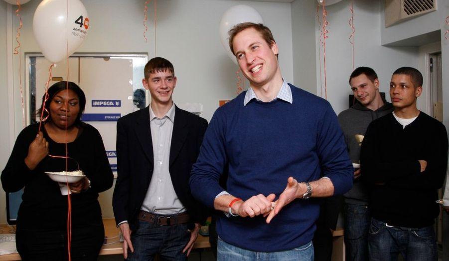 Le Prince William a fêté mercredi le 40ème anniversaire de l'association Centrepoint, qui fournit des logements et une assistance aux jeunes de 16 à 25 sans abri.