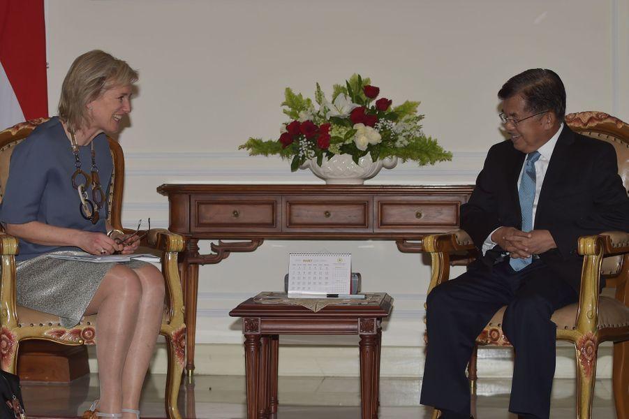 La princesse Astrid de Belgique avec le vice-président d'Indonésie à Jakarta, le 14 mars 2016