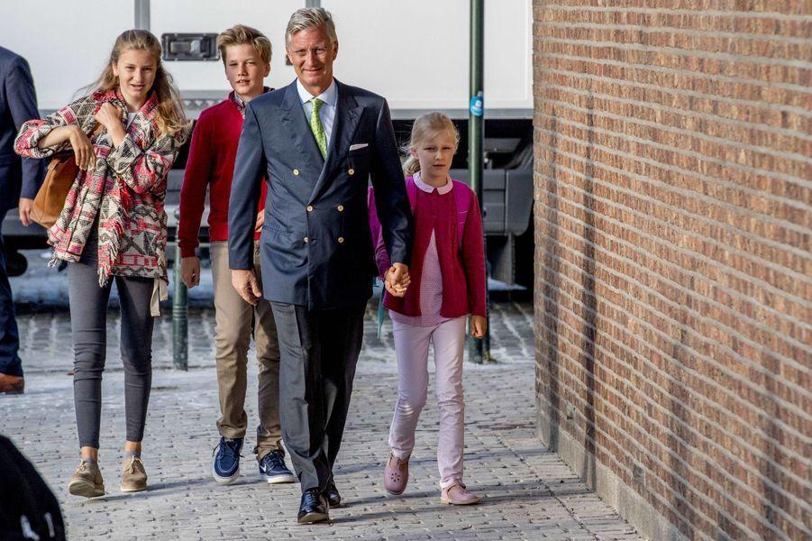 Le roi des Belges Philippe, les princesses Elisabeth et Eléonore et le prince Gabriel de Belgique à Bruxelles, le 1er septembre 2017