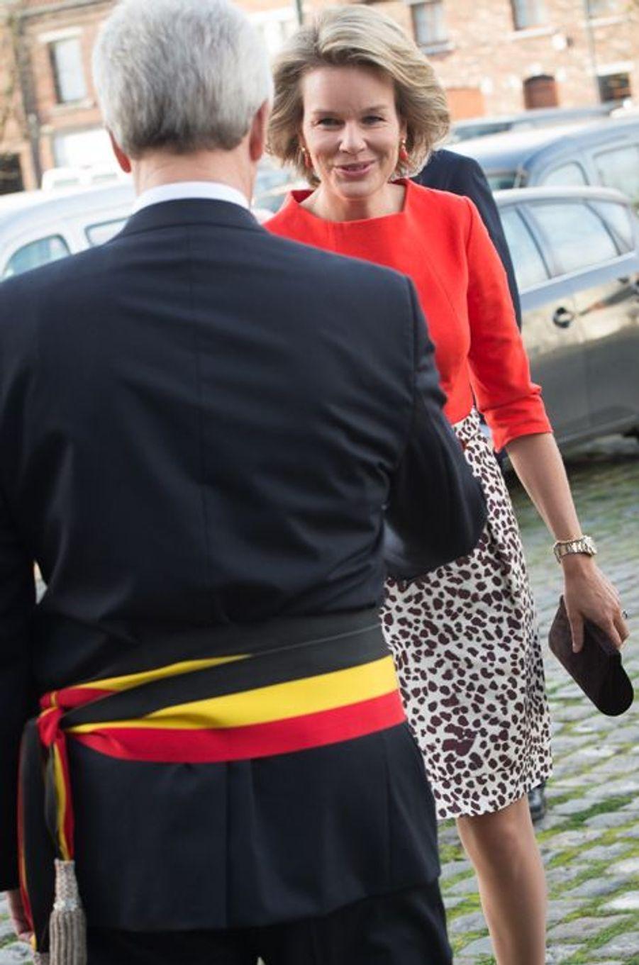 La reine Mathilde au Mac's près de Mons, le 17 novembre 2015