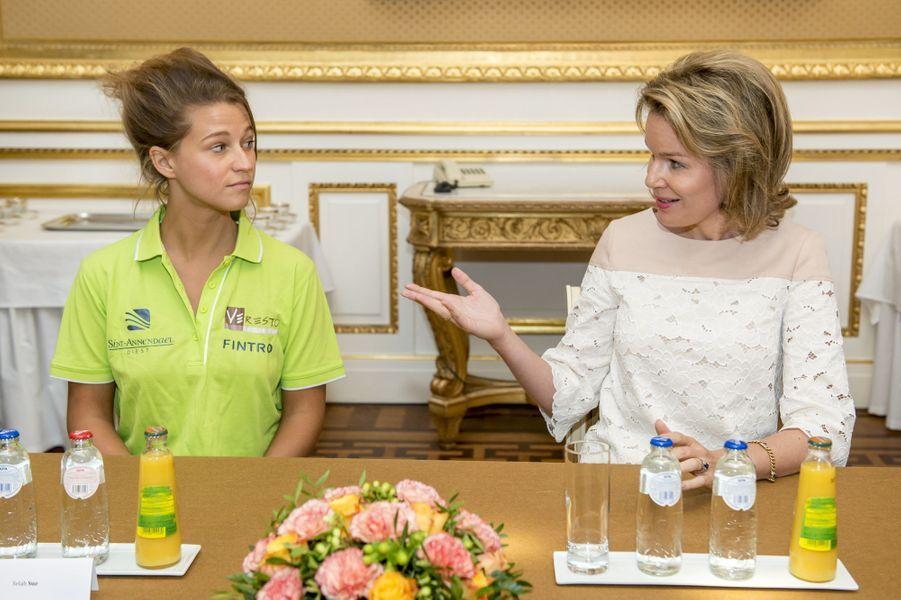 La reine Mathilde en duo avec Selah Sue