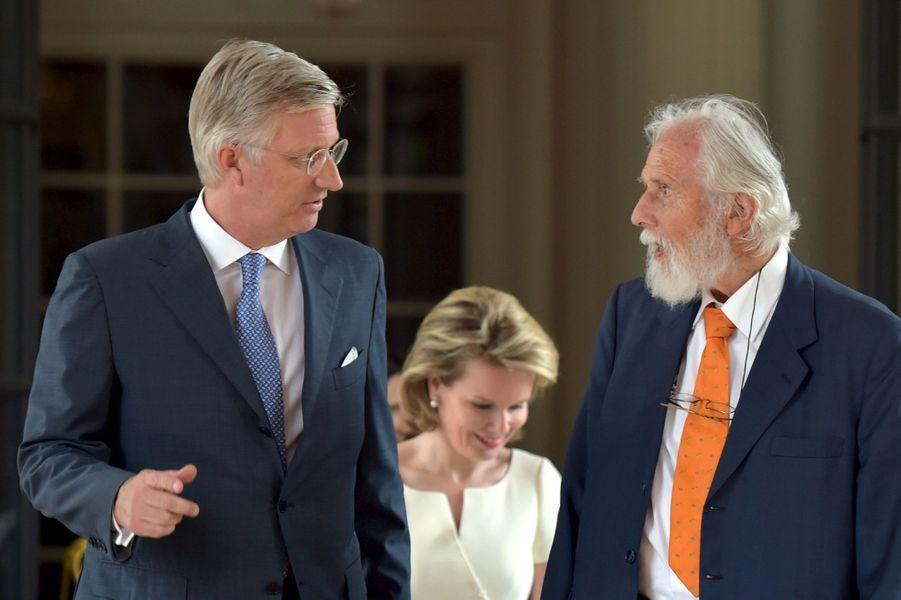 Le roi Philippe et la reine Mathilde de Belgique avec le prince Nikolaus Blucher à Bruxelles, le 17 juin 2015