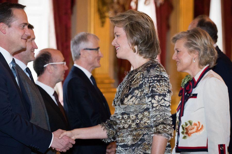 La reine Mathilde et la princesse Astrid de Belgique au Palais royal à Bruxelles, le 31 janvier 2017