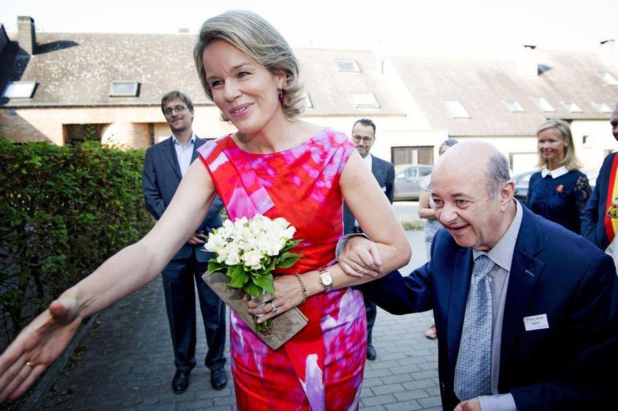 La-reine-Mathilde-de-Belgique-a-Louvain-la-Neuve-le-15-septembre-2016.jpg