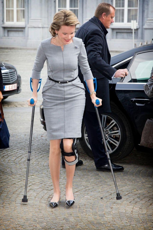 Mathilde de Belgique encore en fauteuil roulant