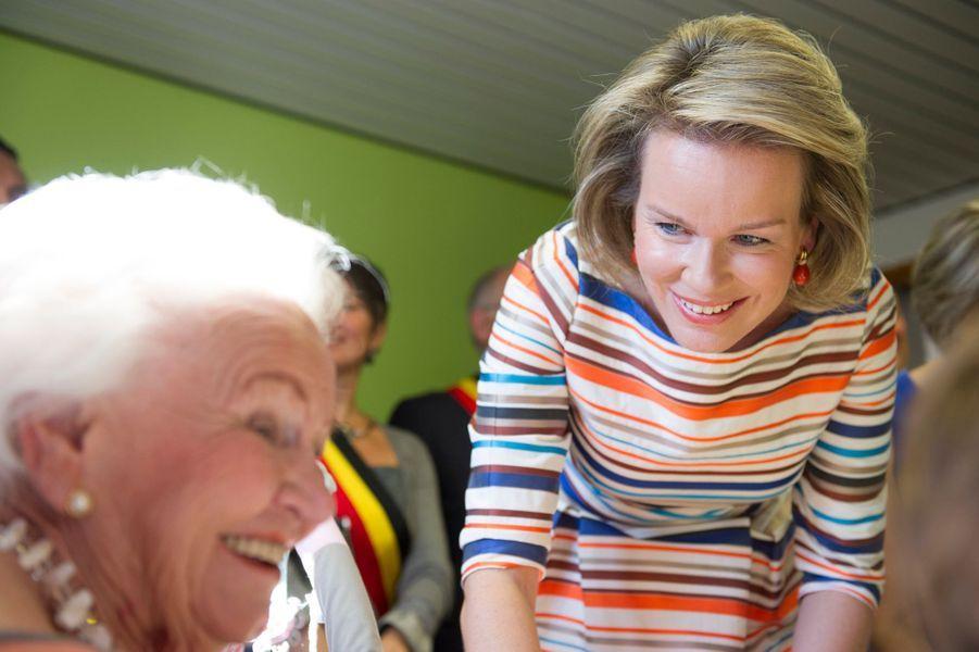 La-reine-Mathilde-de-Belgique-a-Habay-La-Neuve-le-13-septembre-2016.jpg