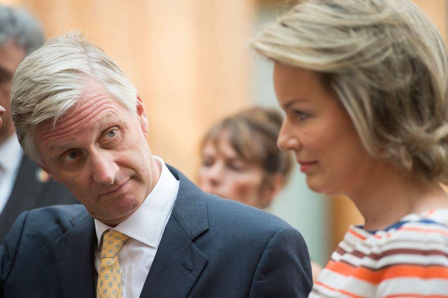 La-reine-Mathilde-et-le-roi-Philippe-de-Belgique-a-Transinne-le-13-septembre-2016.jpg