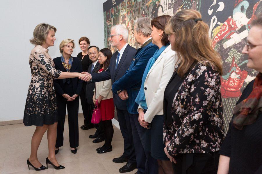 La reine Mathilde de Belgique à son arrivée au musée du Cinquantenaire à Bruxelles, le 17 novembre 2016