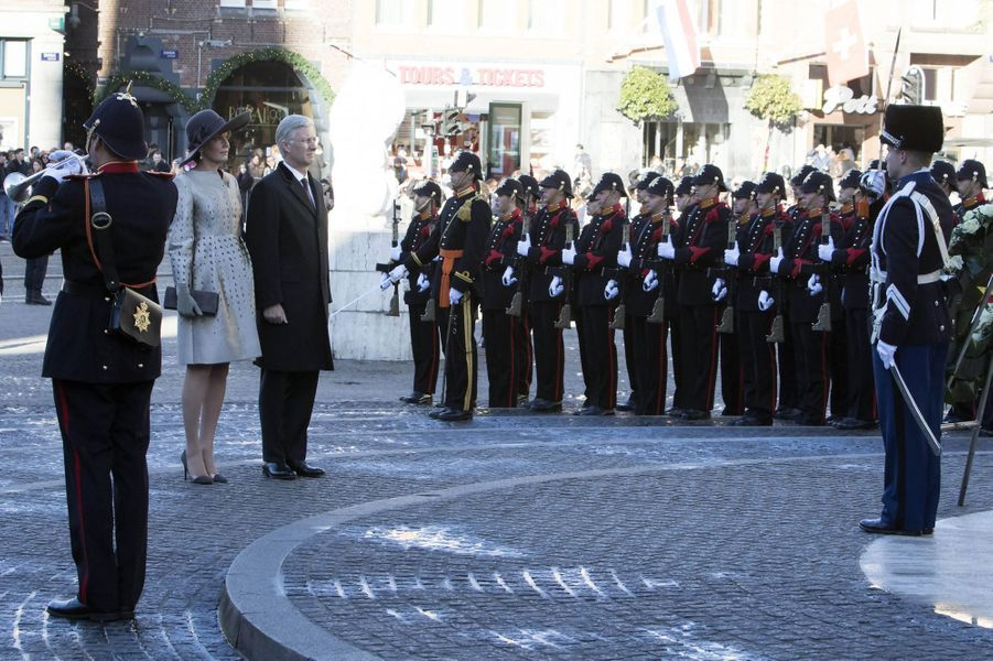 La reine Mathilde et le roi Philippe de Belgique à Amsterdam, le 28 novembre 2016