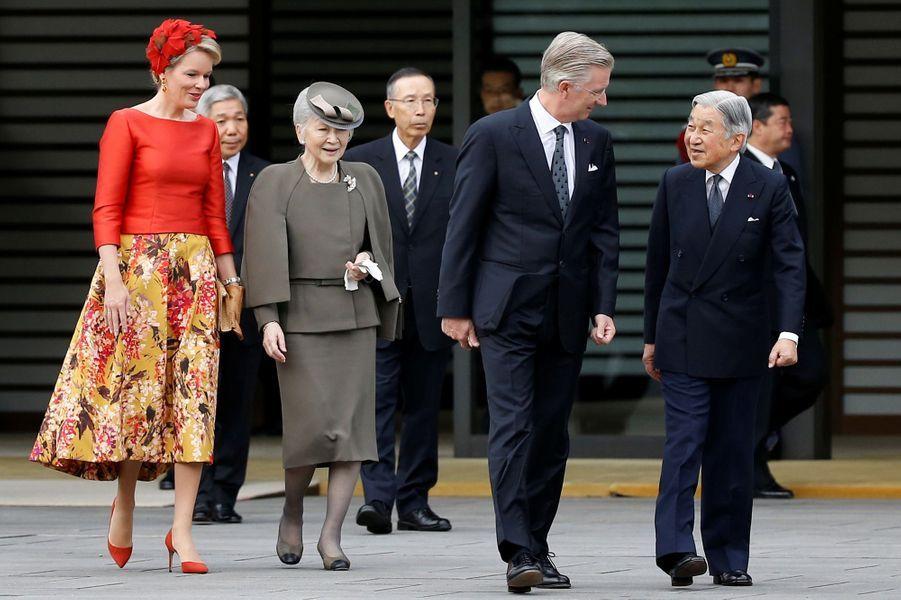 La reine Mathilde et le roi Philippe de Belgique avec l'empereur Akihito du Japon et l'impératrice Michiko à Tokyo, le 11 octobre 2016
