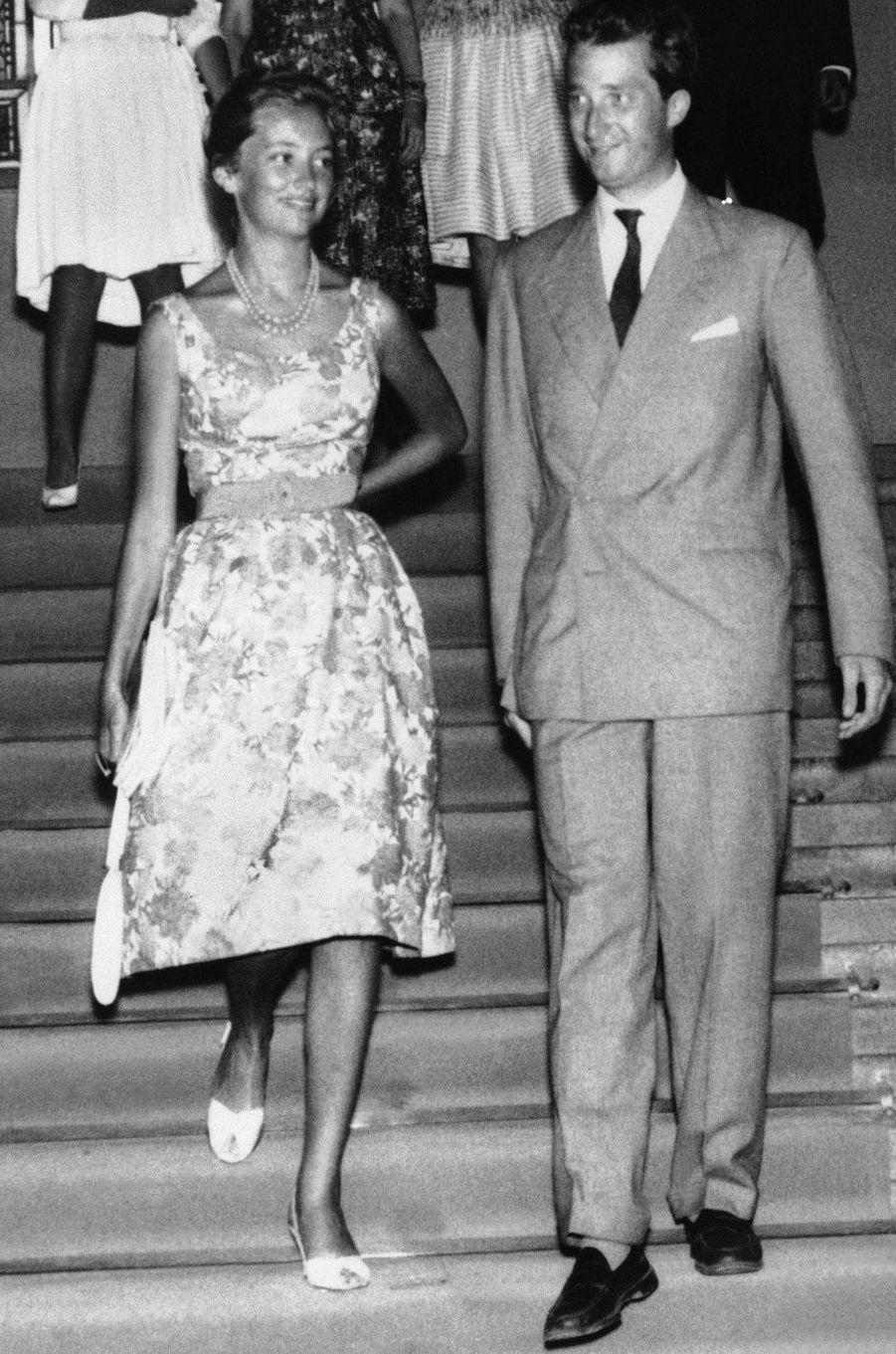 La princesse Paola de Belgique avec le prince Albert, le 23 juillet 1959