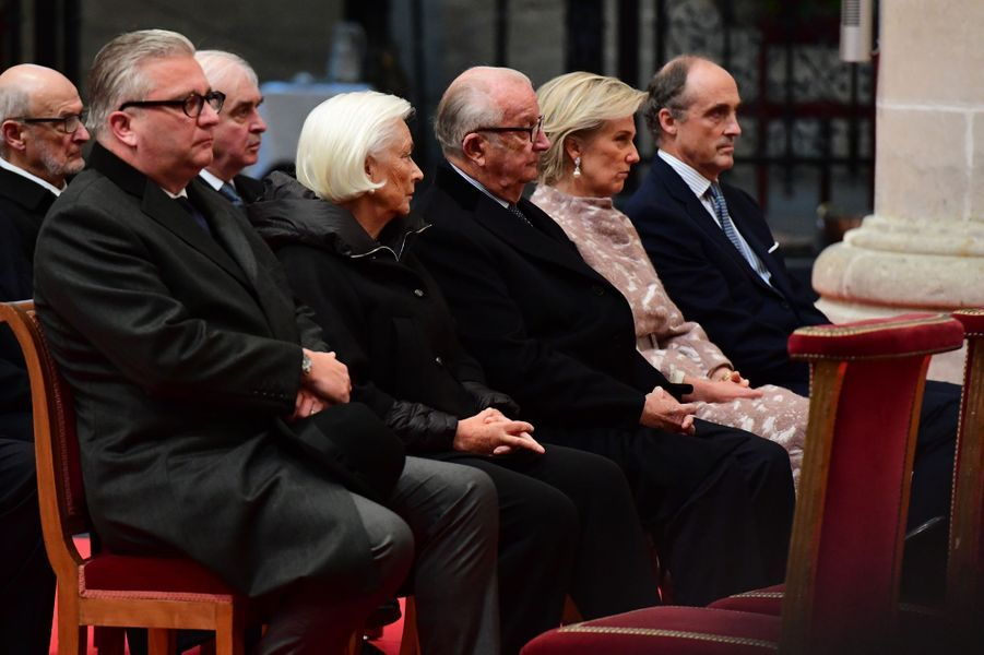 L'ancienne reine Paola et l'ancien roi Albert II de Belgique avec la princesse Astrid et les princes Lorentz et Laurent à Bruxelles, le 15 novembre 2016