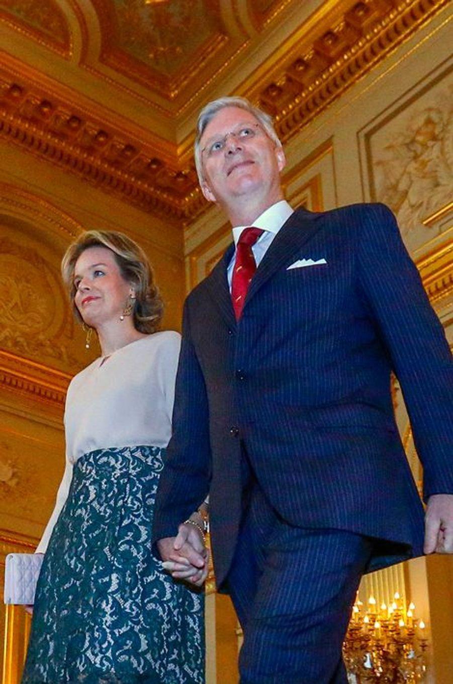 La reine Mathilde de Belgique, avec le roi Philippe, le 28 janvier 2016