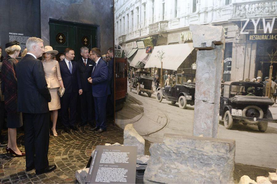 La reine Mathilde et le roi Philippe de Belgique avec Andrzej et Agata Duda à Varsovie, le 15 octobre 2015
