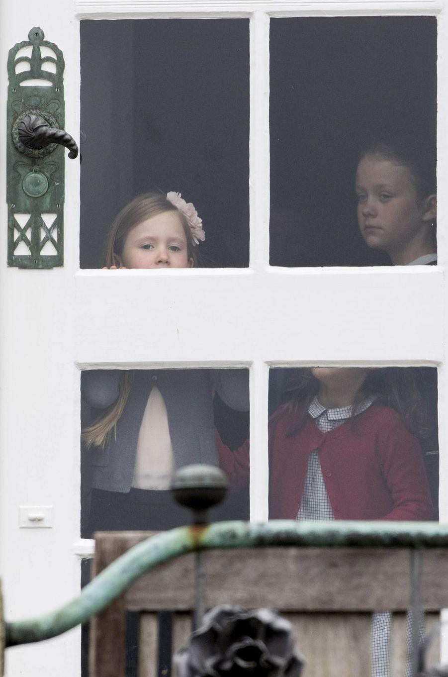 Les princesses Isabella, Josephine et Athena de Danemark à Marselisborg, le 15 avril 2017