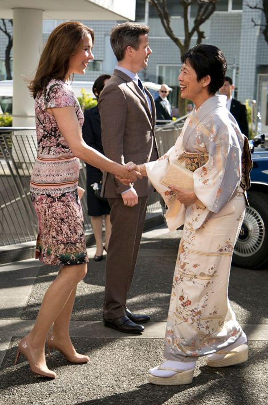 La princesse Mary et le prince Frederik de Danemark avec la princesse Hisako de Takamado à Tokyo, le 27 mars 2015