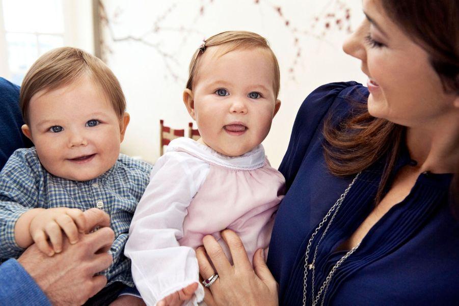 Les jumeaux du Danemark, la princesse Joséphine et le prince Vincent, lors de leur 1er anniversaire, le 8 janvier 2012