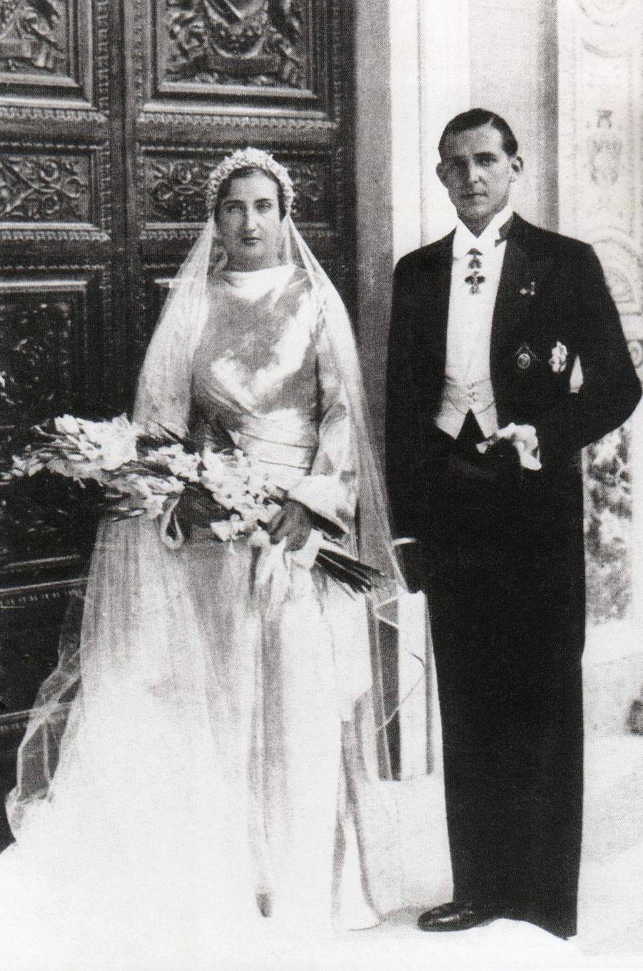 Le prince Juan et la princesse Maria de la Mercedes le jour de leur mariage, le 12 octobre 1935