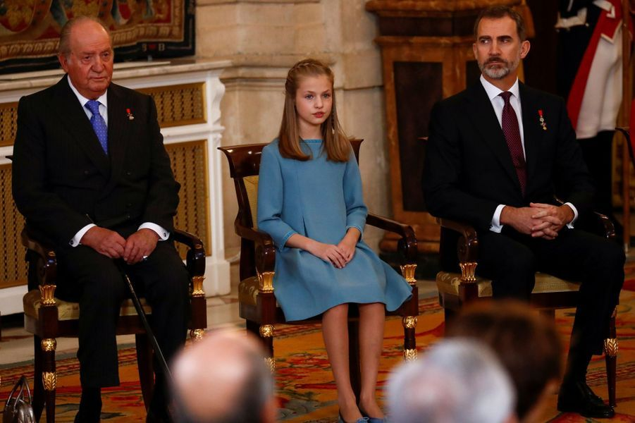 La princesse Leonor avec le roi Felipe VI d'Espagne et l'ex-roi Juan Carlos à Madrid, le 30 janvier 2018