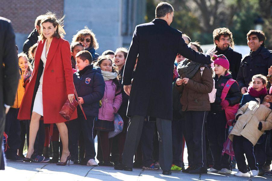 La reine Letizia et le roi Felipe VI d'Espagne au musée du Prado à Madrid, le 16 février 2016
