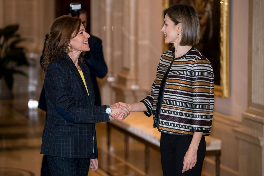 La reine Letizia d'Espagne au palais de la Zarzuela à Madrid, le 5 octobre 2015