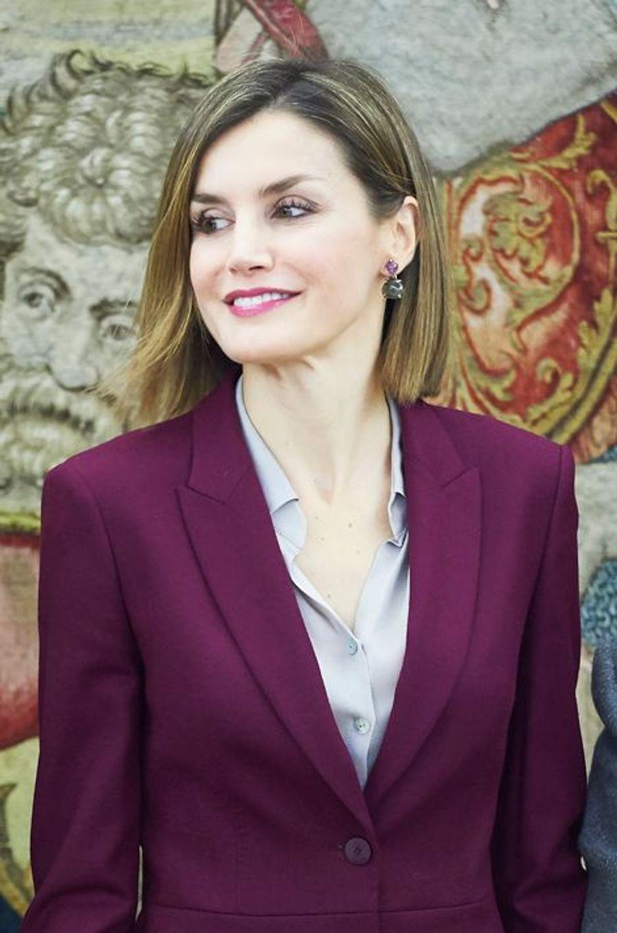La reine Letizia d'Espagne au Palais de la Zarzuela à Madrid, le 27 octobre 2015