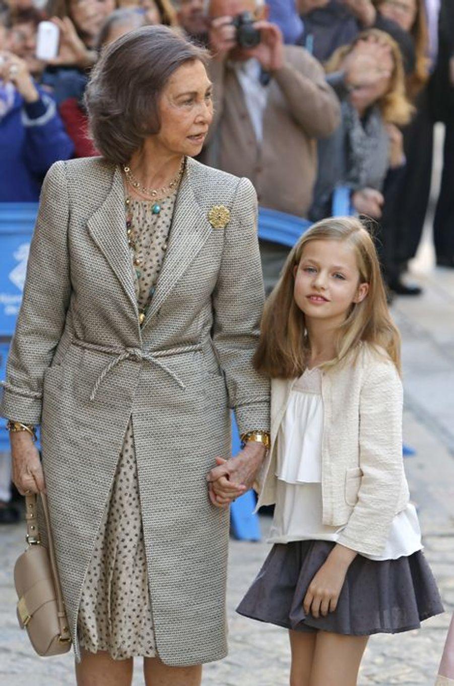 L'ex-reine Sofia d'Espagne et la princesse Leonor à Palma de Majorque, le 5 avril 2015