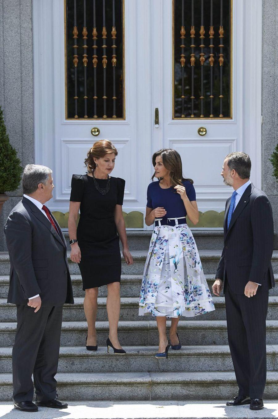 La reine Letizia et le roi Felipe VI d'Espagne avec le président ukrainien et sa femme à Madrid, le 4 juin 2018