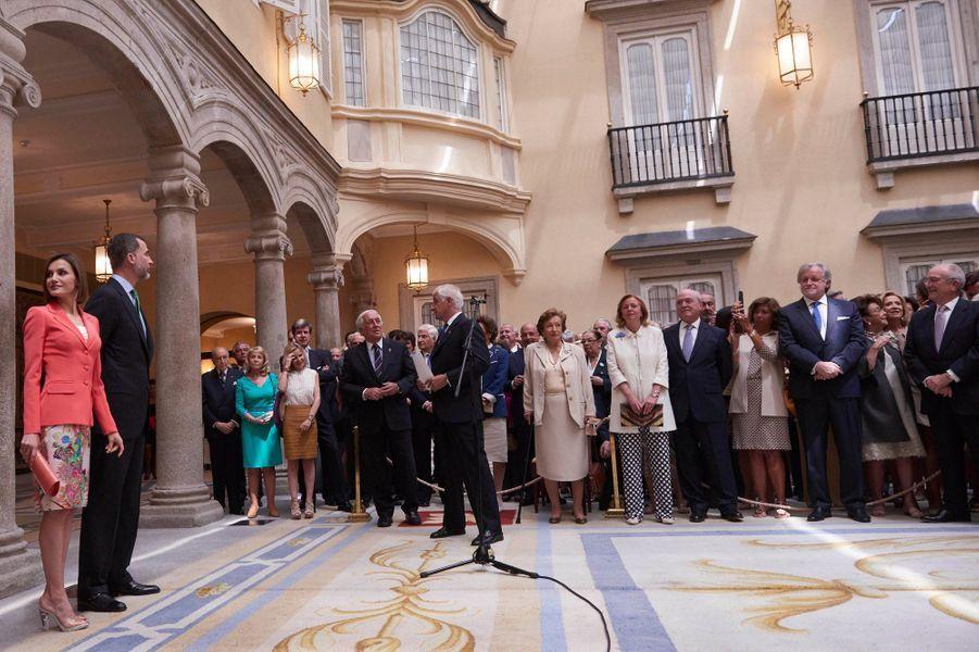 La reine Letizia et le roi Felipe VI d'Espagne reçoivent les Grands d'Espagne à Madrid, le 16 juin 2015