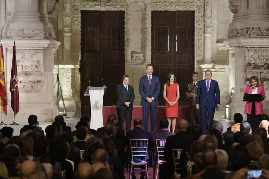 La reine Letizia et le roi Felipe VI d'Espagne dans la cathédrale de Cuenca, le 13 septembre 2017