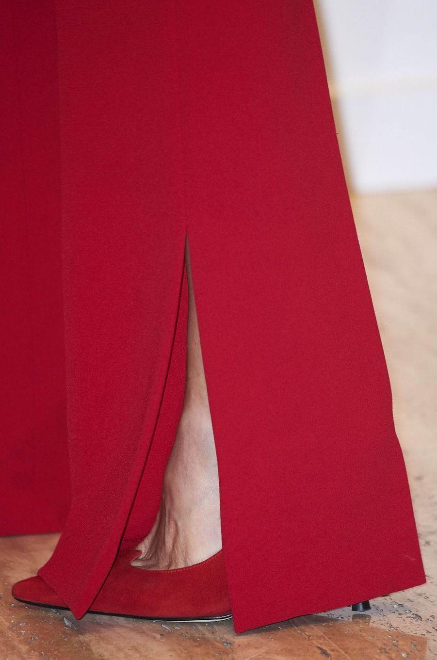 Le bas du pantalon de la reine Letizia d'Espagne à Valladolid, le 22 mars 2018