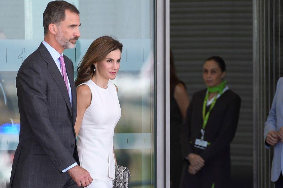 La reine Letizia et le roi Felipe VI d'Espagne à l'aéroport Adolfo Suarez de Madrid Barajas, le 11 juillet 2017