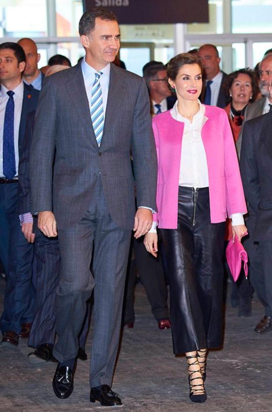 La reine Letizia et le roi Felipe VI d'Espagne à Madrid, le 25 février 2016
