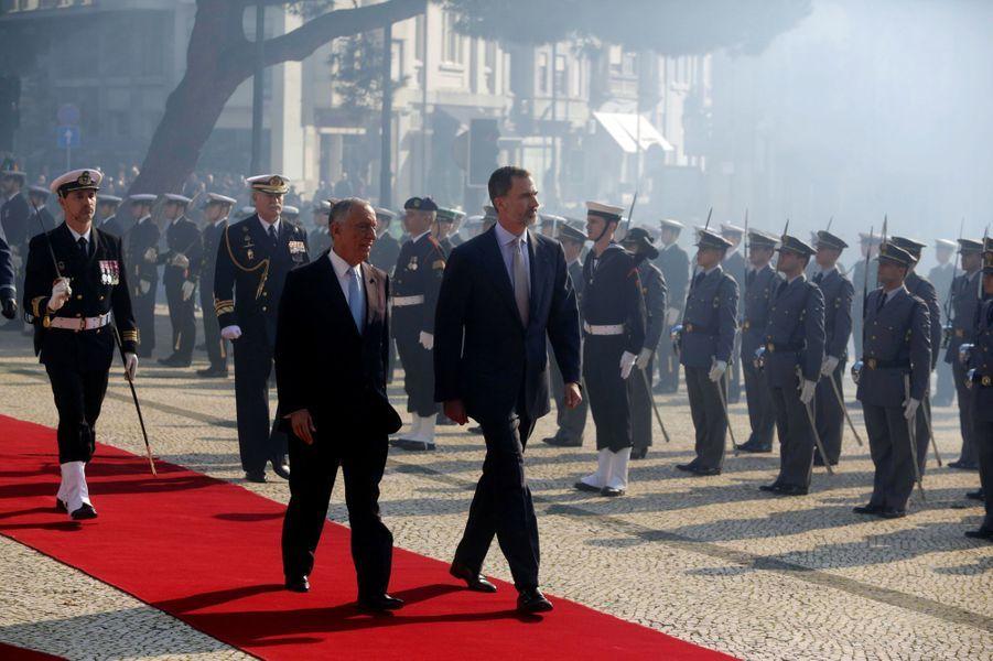 Le roi Felipe VI d'Espagne et le président portugais Marcelo Rebelo de Sousa à Porto, le 28 novembre 2016