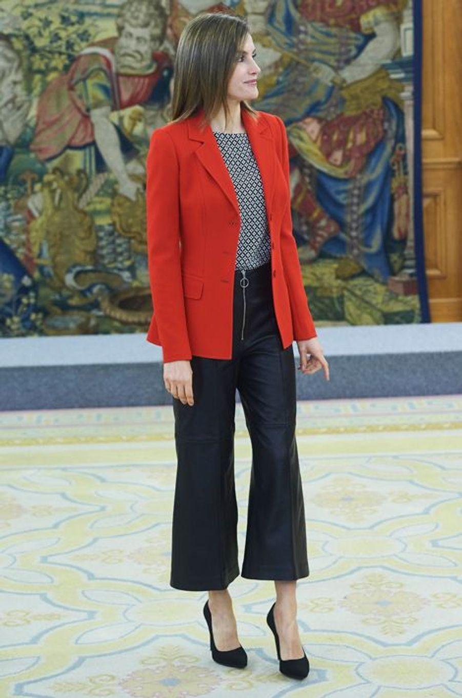 La reine Letizia d'Espagne au palais de la Zarzuela à Madrid, le 13 avril 2016