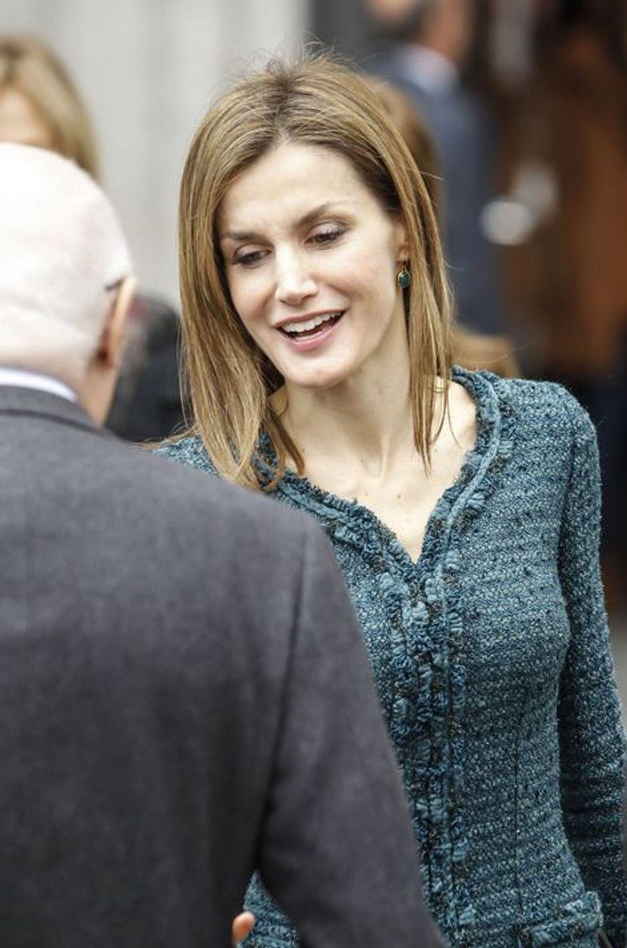 La reine Letizia d'Espagne inaugure deux expositions au Musée Reina Sofia à Madrid, le 17 mars 2015