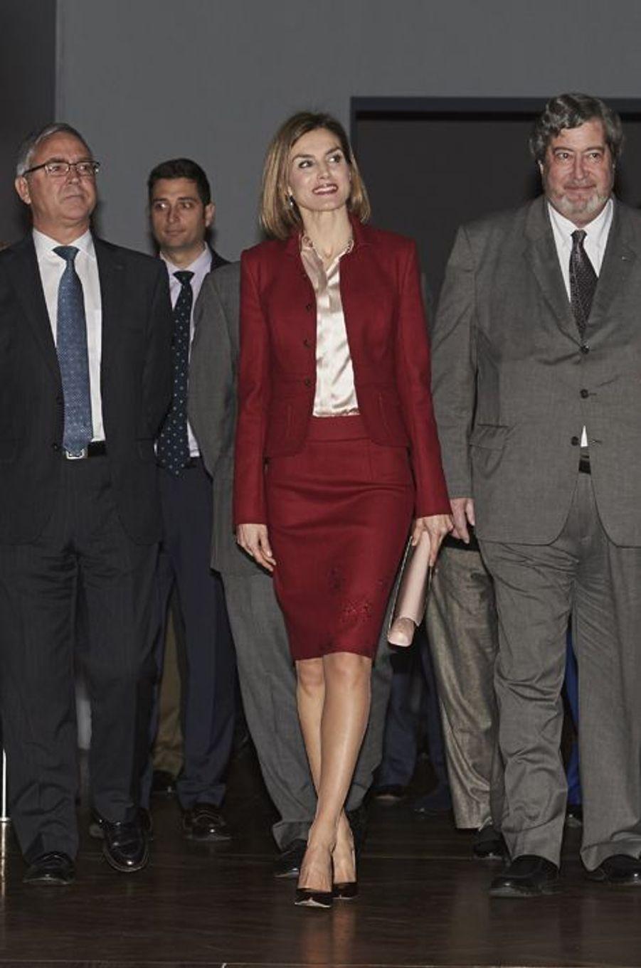 La reine Letizia d'Espagne au Musée du Prado à Madrid, le 23 novembre 2015