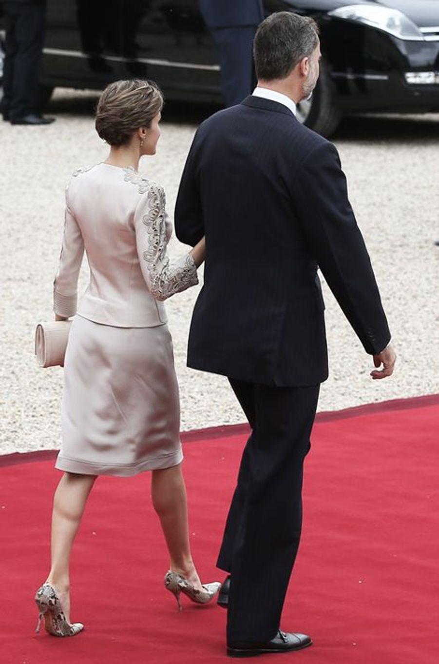 La reine Letizia d'Espagne avec le roi Felipe VI à Paris, le 2 juin 2015