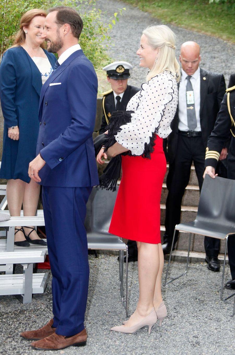 La princesse Mette-Marit et le prince Haakon de Norvège à Oslo, le 7 juin 2016