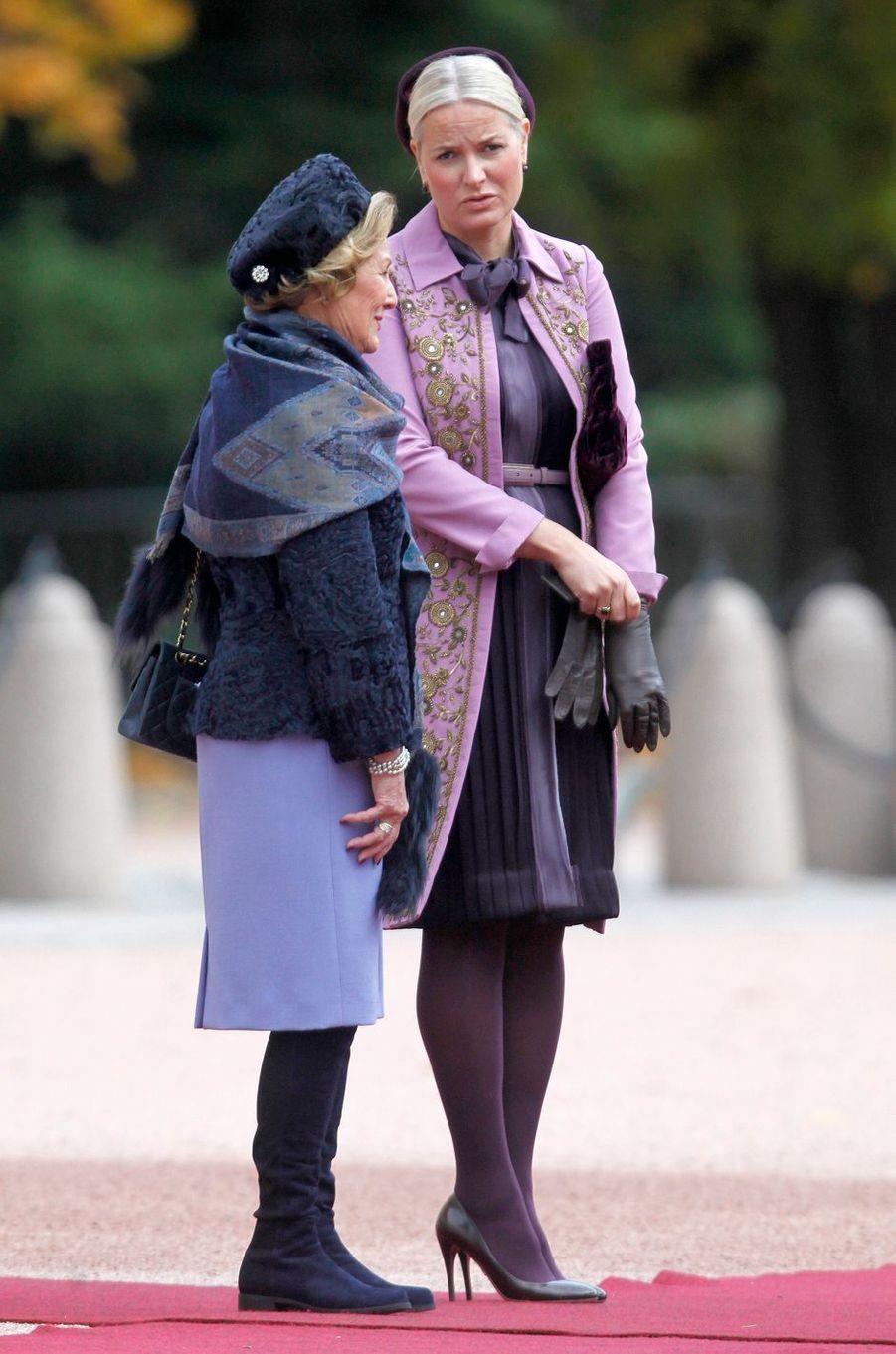 La princesse Mette-Marit et la reine Sonja de Norvège à Oslo, le 10 octobre 2016