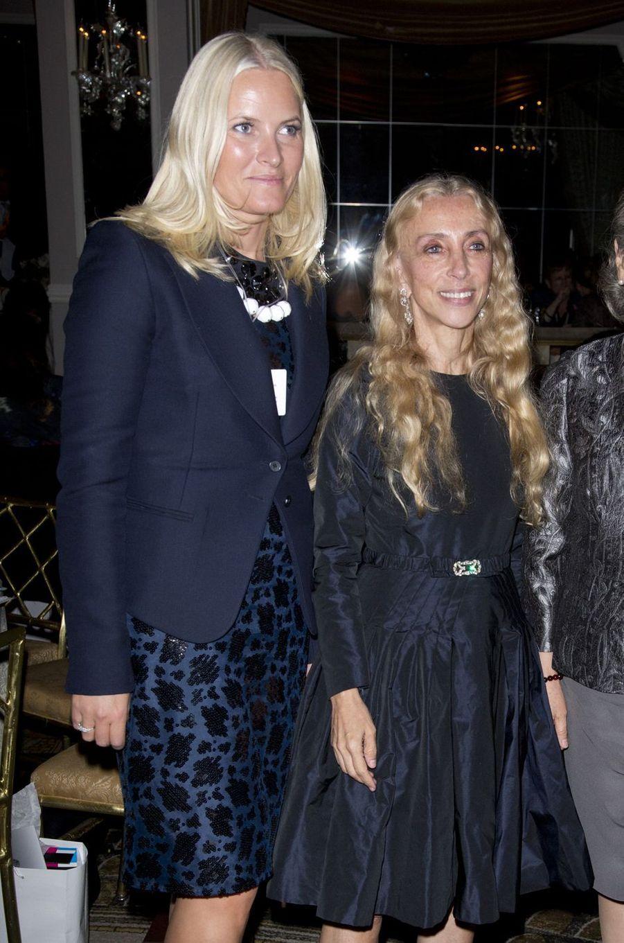La princesse Mette-Marit de Norvège avec Franca Sozzani à New York, le 25 septembre 2012