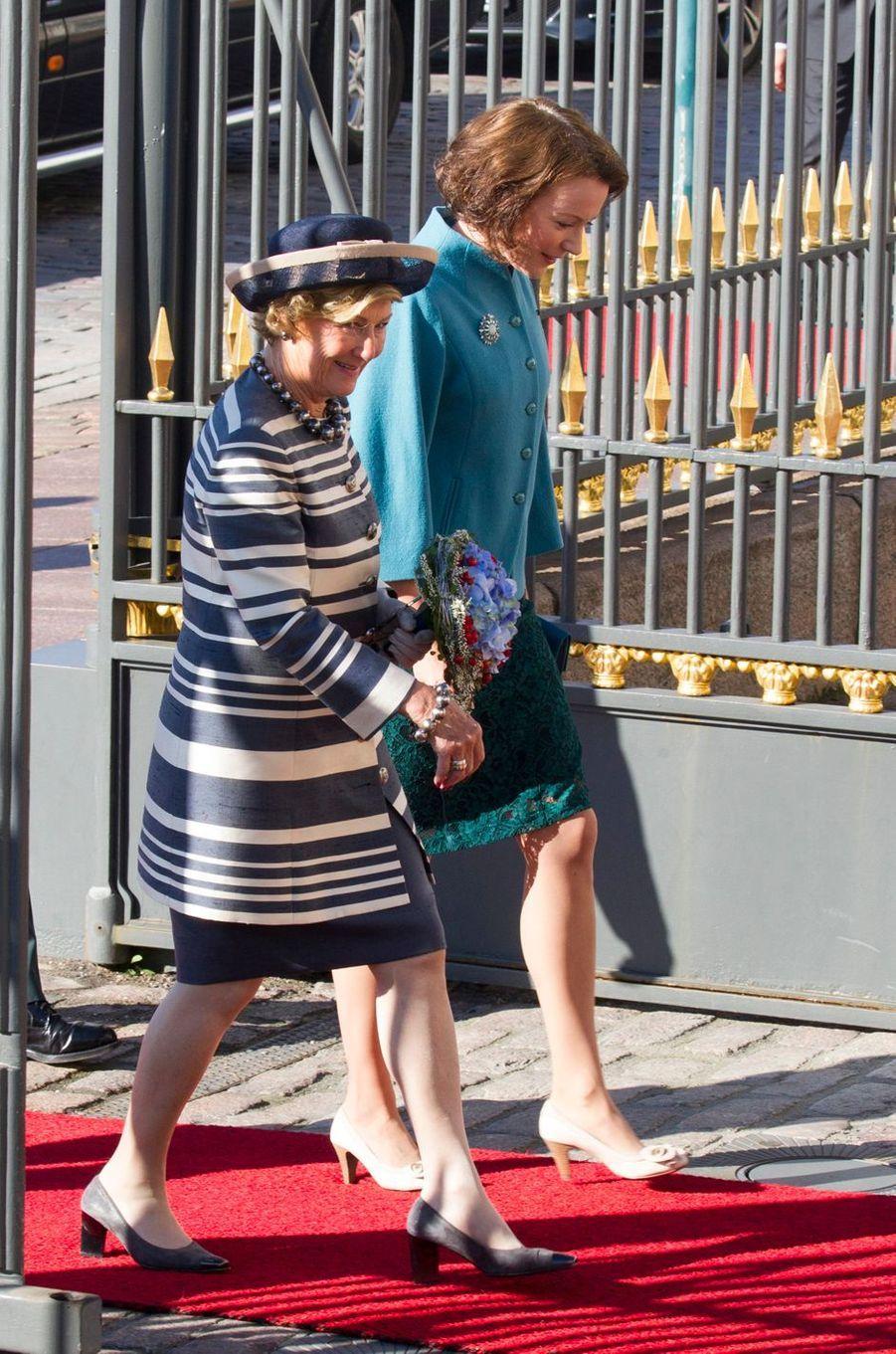 La reine Sonja de Norvège avec Jenni Haukio à Helsinki, le 6 septembre 2016
